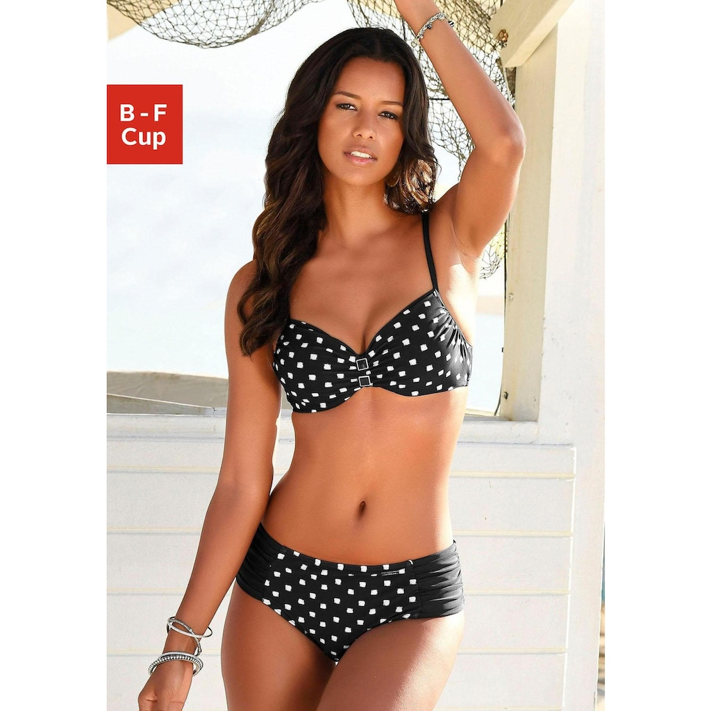 LASCANA Bügel-Bikini, mit Zier-Accessoires