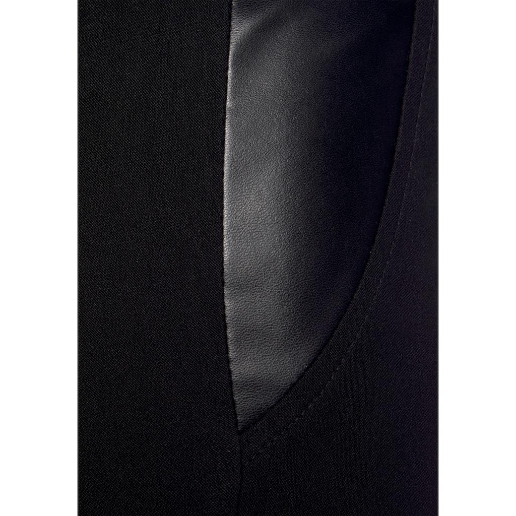 LASCANA Stretch-Hose, mit Einsätzen aus Lederimitat