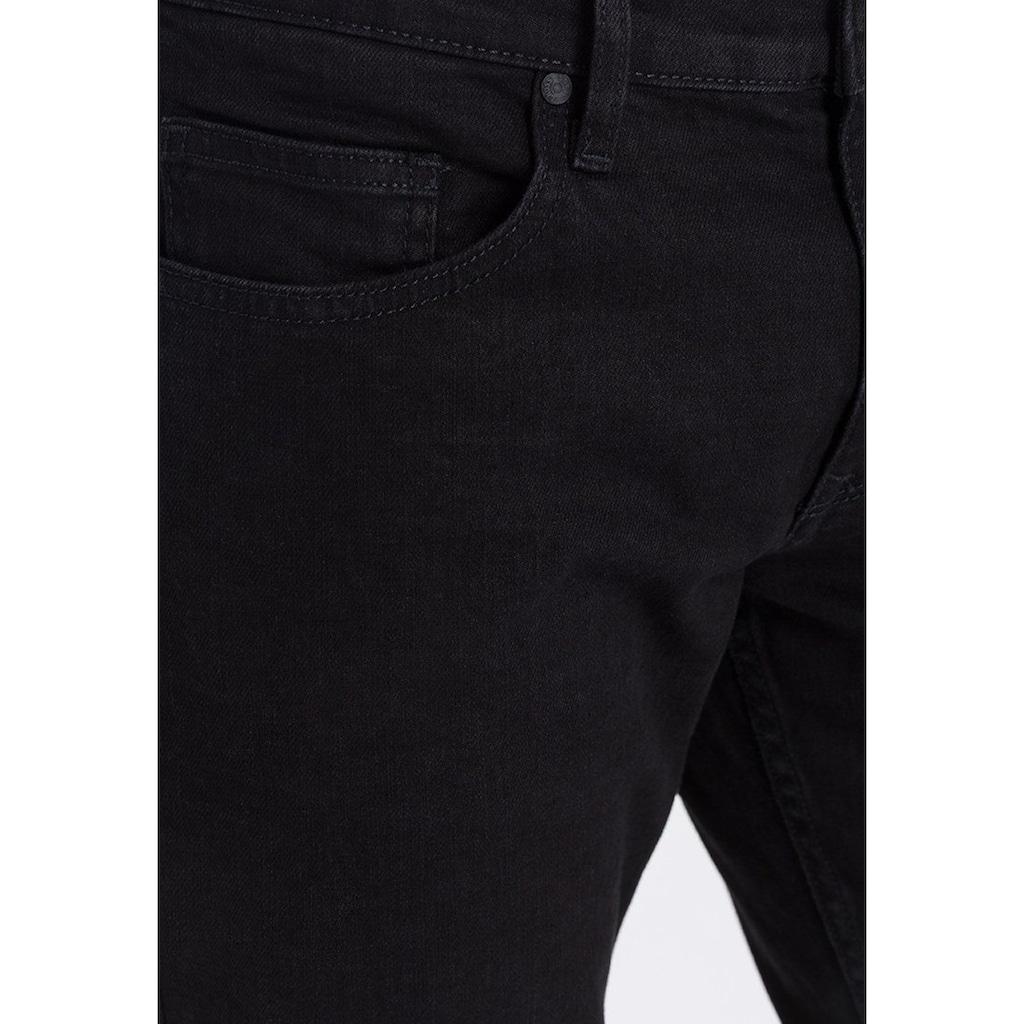 Cross Jeans® Relax-fit-Jeans »Antonio«, Besonderes Stitching an den Gesäßtaschen