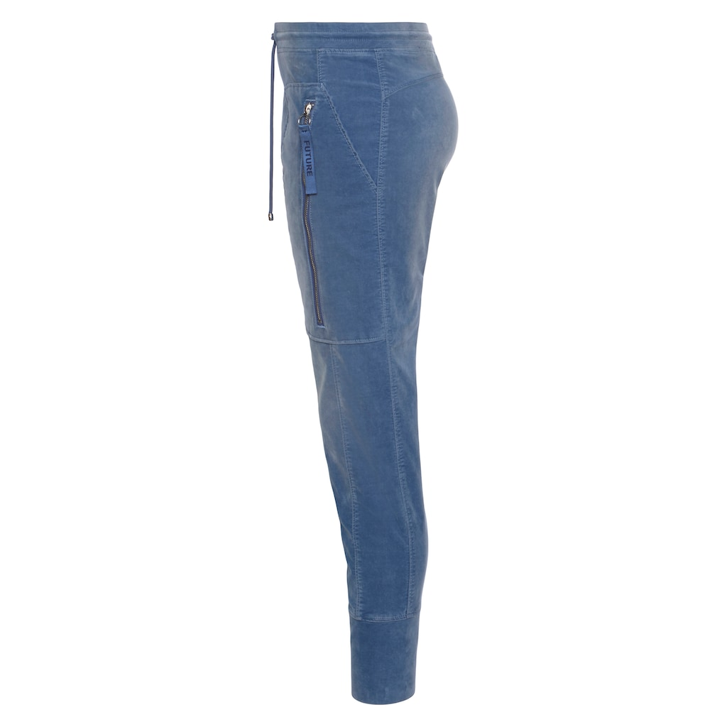 MAC Jogger Pants »Future-Velvet«, Große Reißverschluss-Taschen und formgebende Einsätze