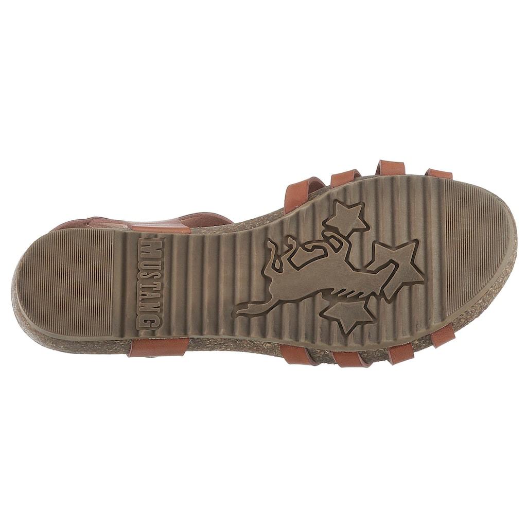 Mustang Shoes Riemchensandale, mit Logoprägung auf der Niete