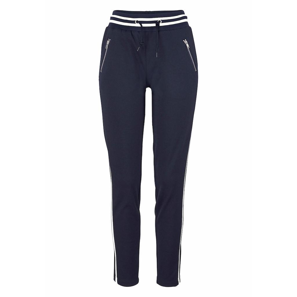 AJC Jogger Pants, im trendigem Retro-Design