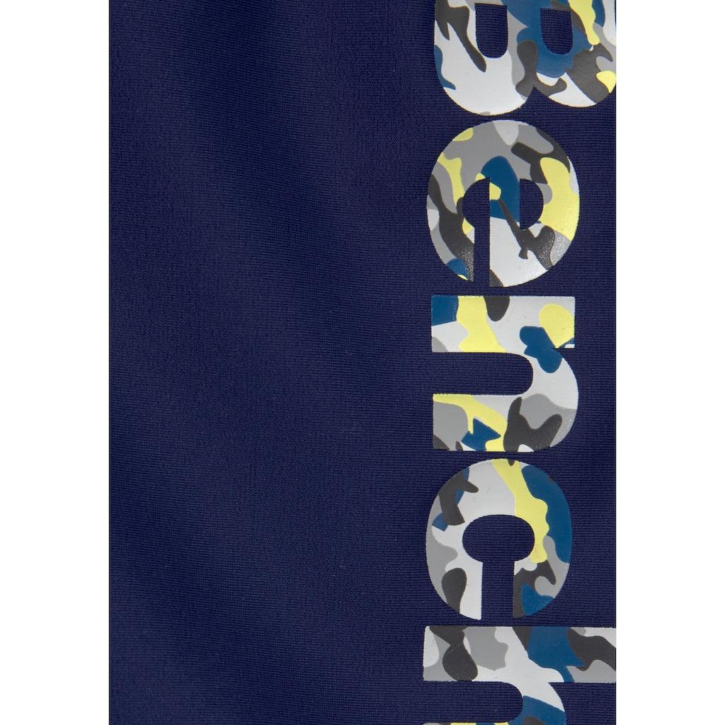 Bench. Boxer-Badehose, mit coolem Logo in Tarnfarben-Optik