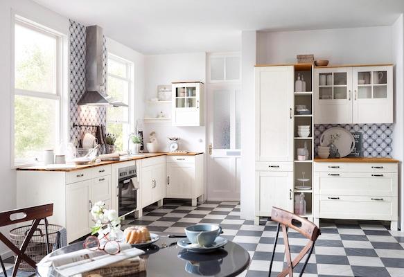 Küchenschränke in Weiß