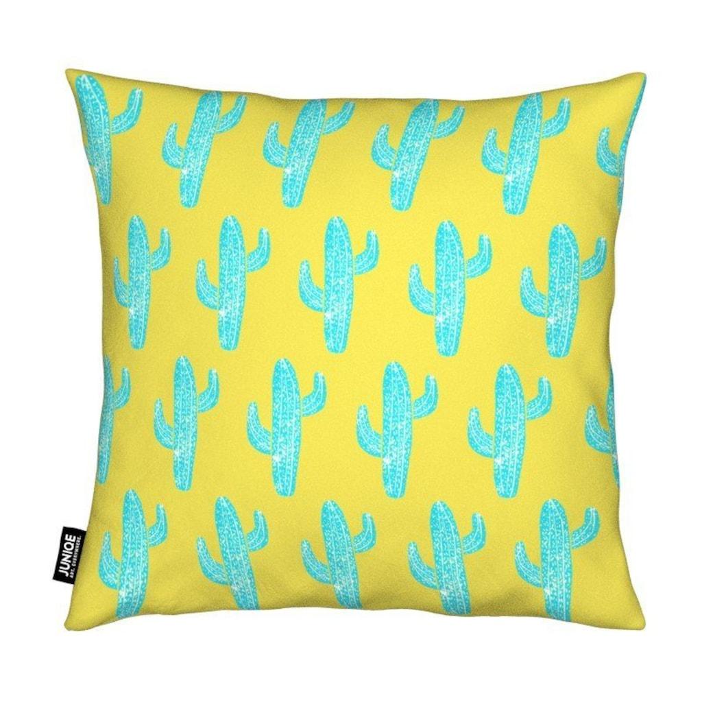 Juniqe Dekokissen »Cacti Desert Blue«, Weiches, allergikerfreundliches Material