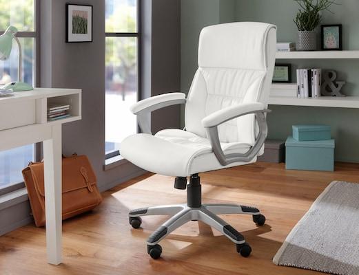 weißer Bürostuhl mit Armlehnen
