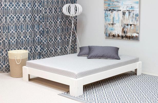 weißes Futonbett