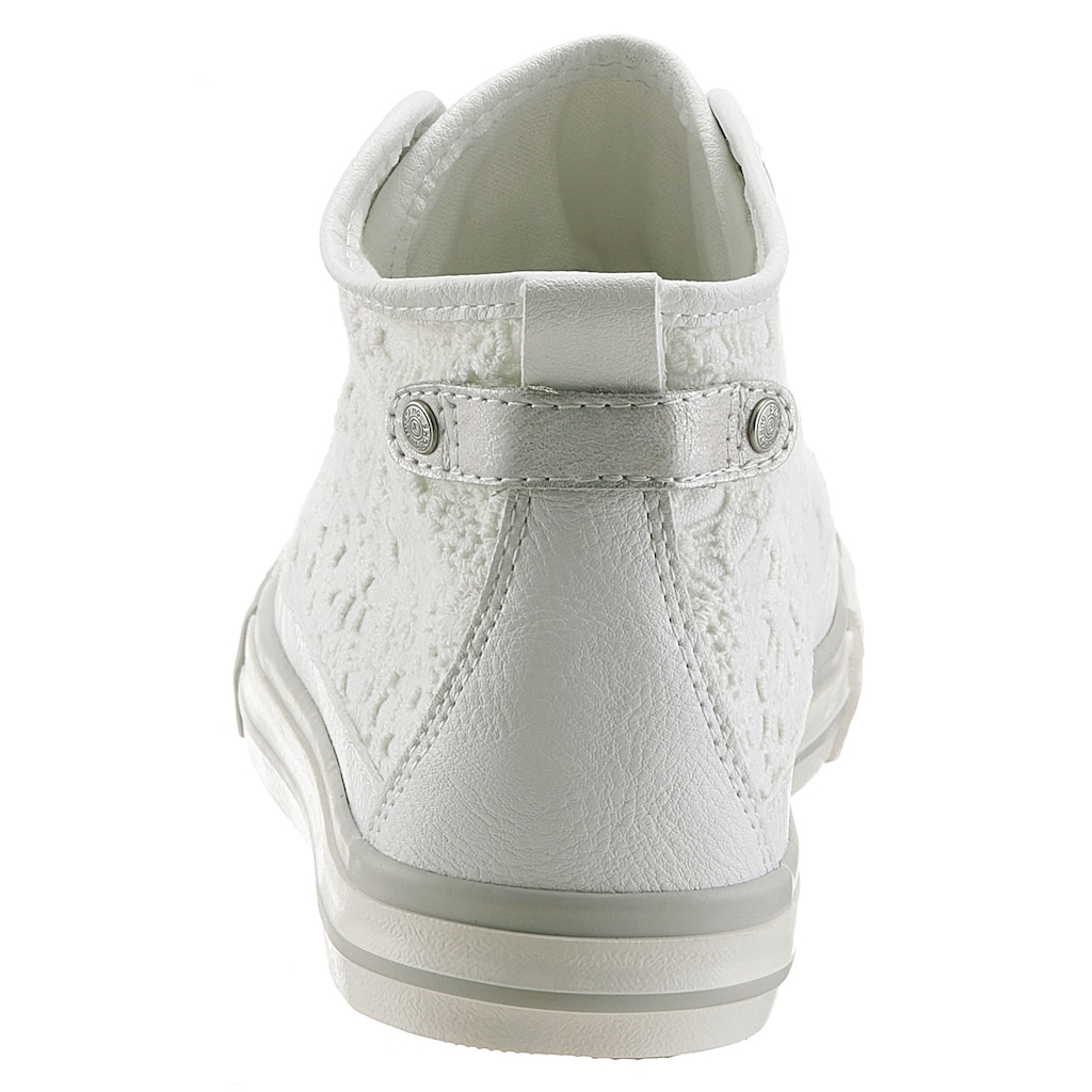Mustang Shoes Sneaker, mit feinen Häkelapplikationen