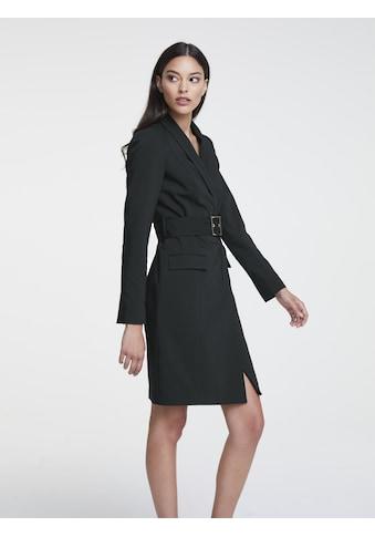 Kleid mit Gürtel kaufen