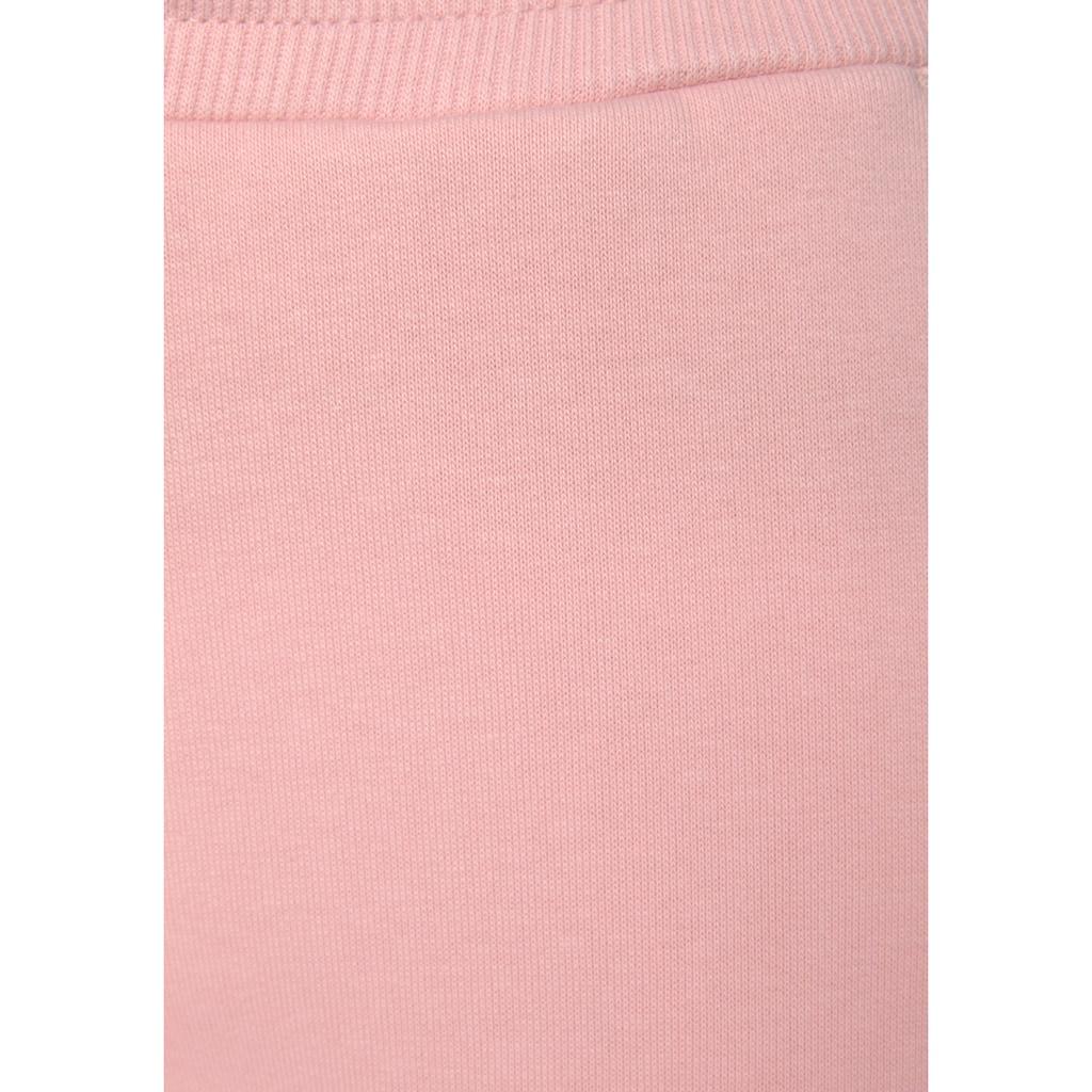 Bench. Relaxhose, mit bedruckten Bändern und seitlichen Streifen