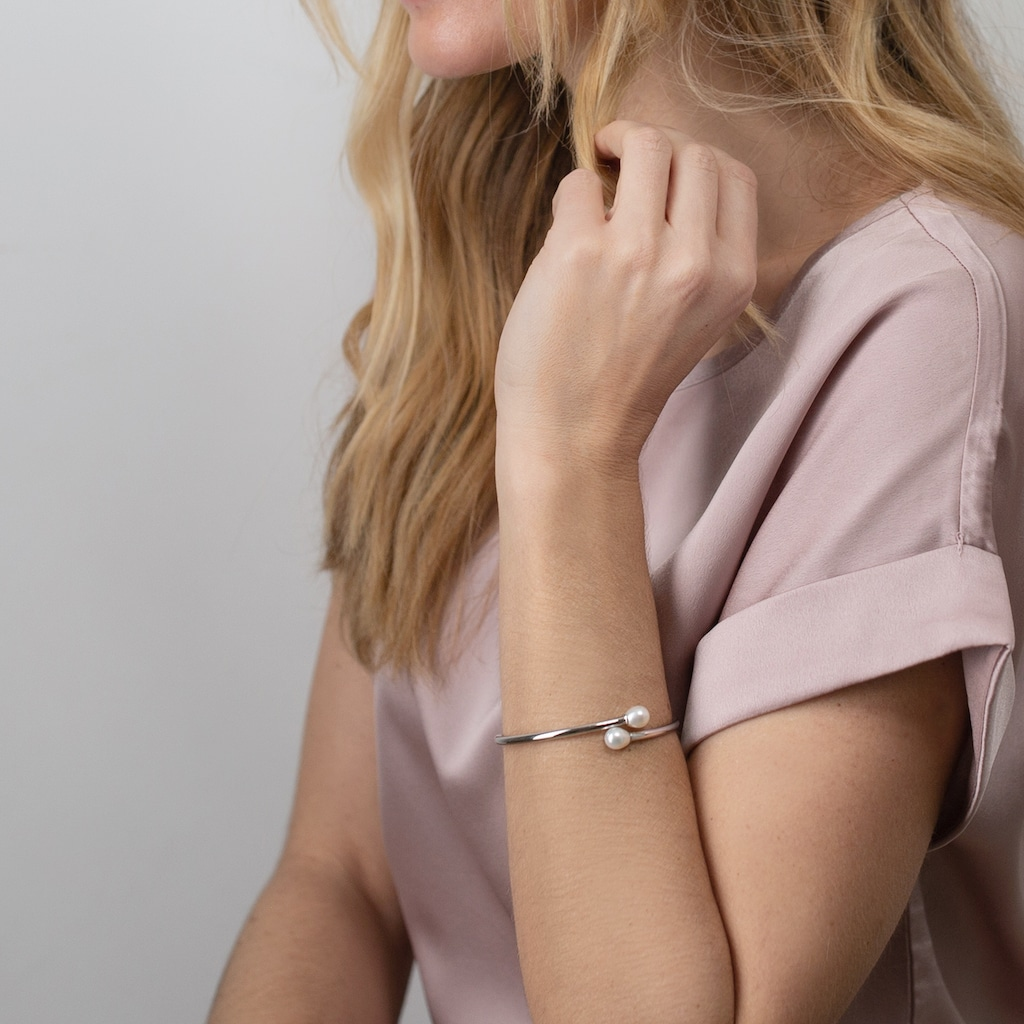 AILORIA Armband »MASA Armreif Silber/weiße Perle«, Größenverstellbar