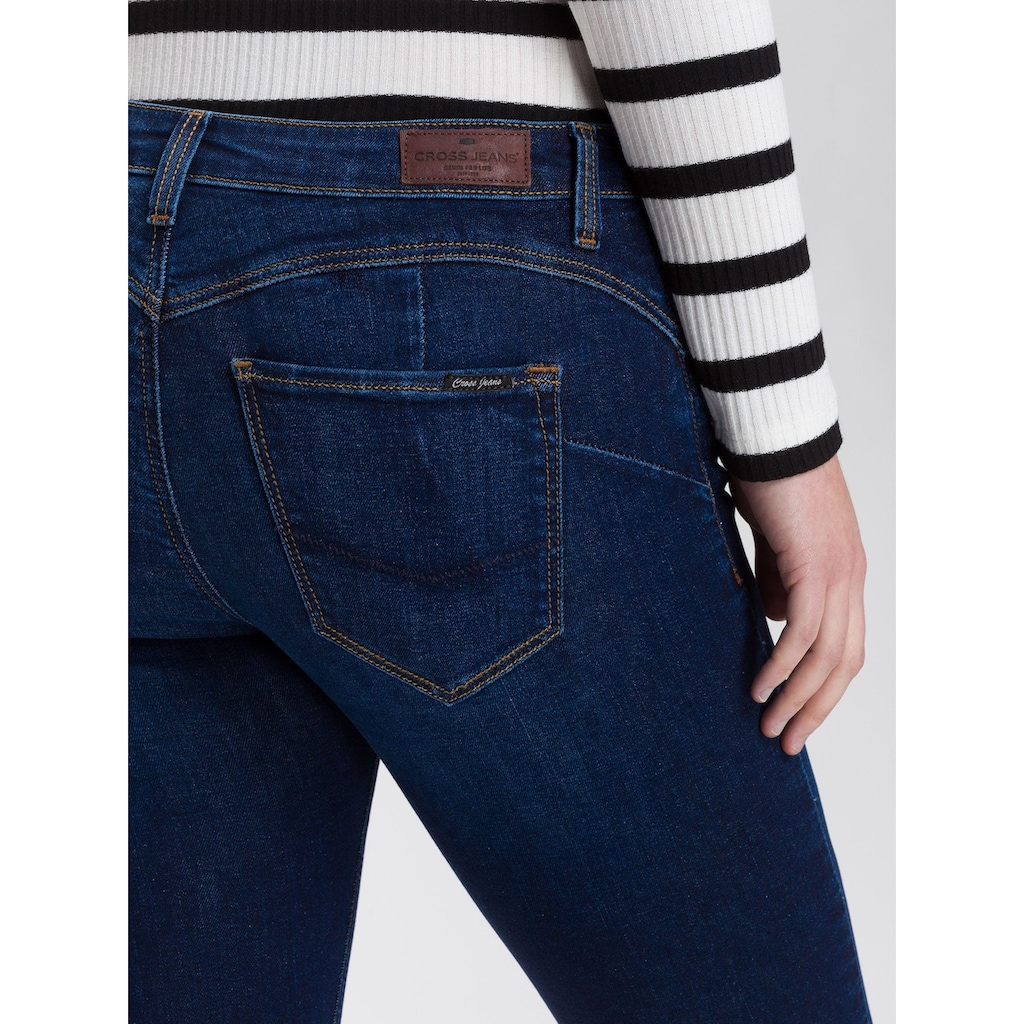 Cross Jeans® Skinny-fit-Jeans »Page«, Push-Up-Effekt durch besondere Verarbeitung