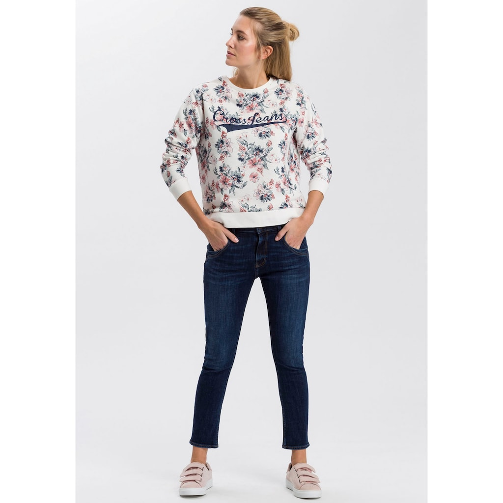 Cross Jeans® High-waist-Jeans »Tanya«, Gerade geschnittenes Bein das zum Saum schmaler wird