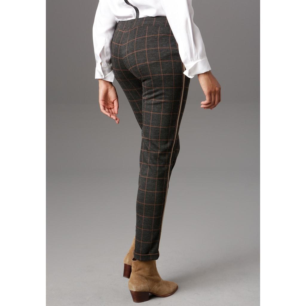 Aniston SELECTED Schlupfhose, mit glänzenden Galonstreifen
