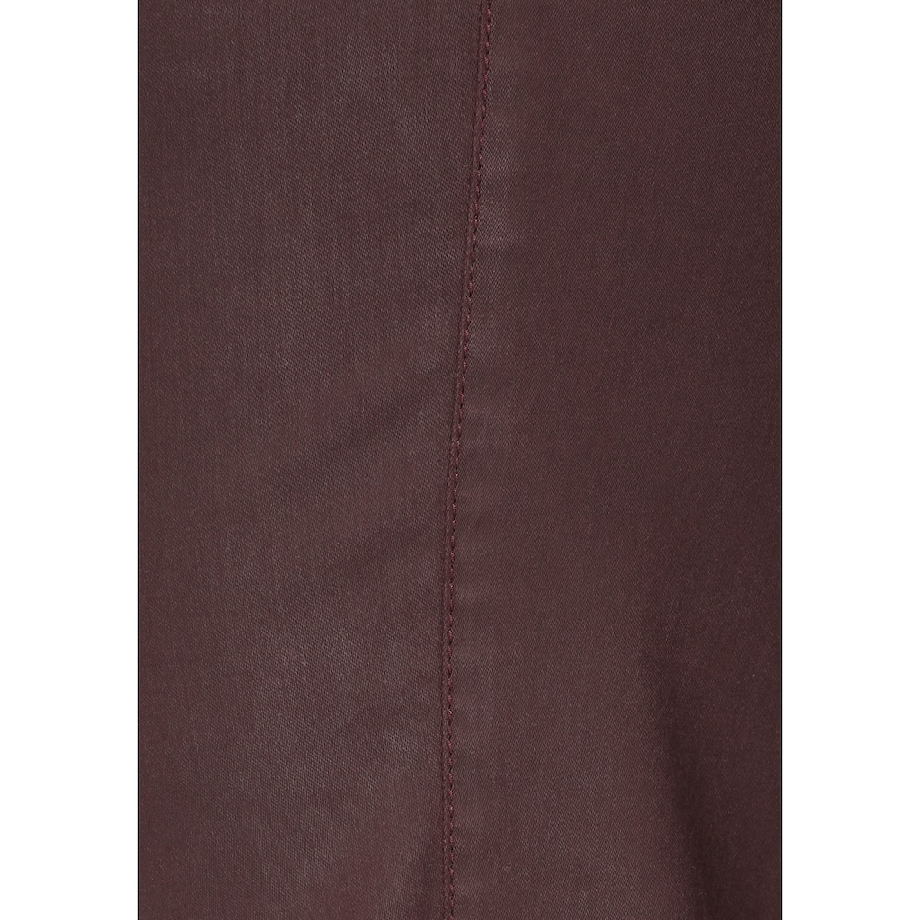 KjBRAND Straight-Jeans »Babsie: bequemer Oberschenkel«, beschichtetes Material
