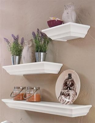 weiße Wandkonsolen im Landhausstil