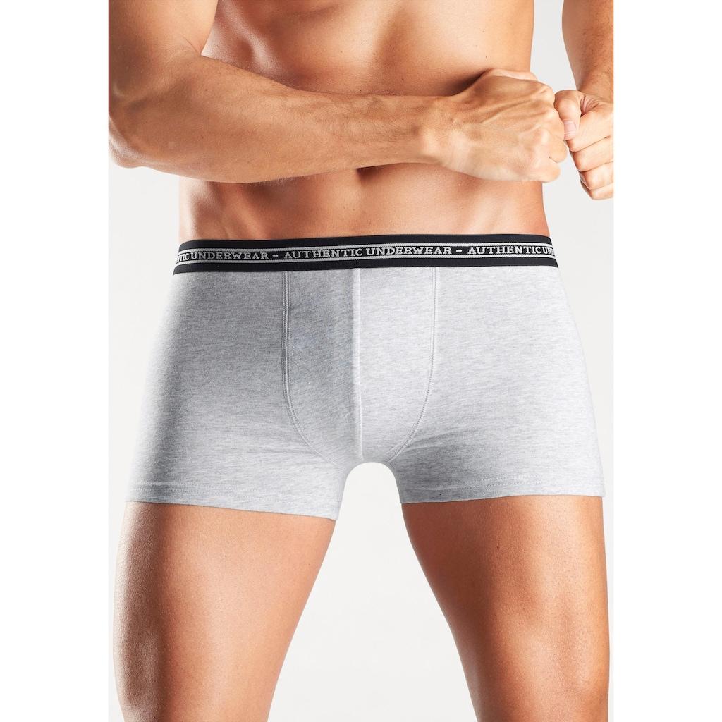 AUTHENTIC UNDERWEAR Boxer, (Packung, 4 St.), schwarzer Webbund mit Logoschriftzug