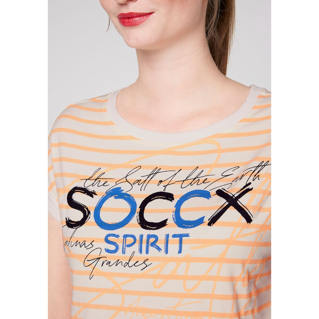 SOCCX T-Shirt, mit U-Boot-Ausschnitt tollem Print