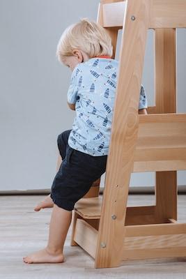 Treppenhochstuhl aus Holz