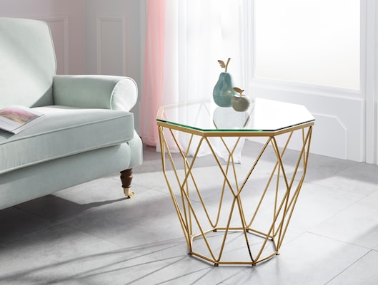 Couchtisch mit Glasplatte