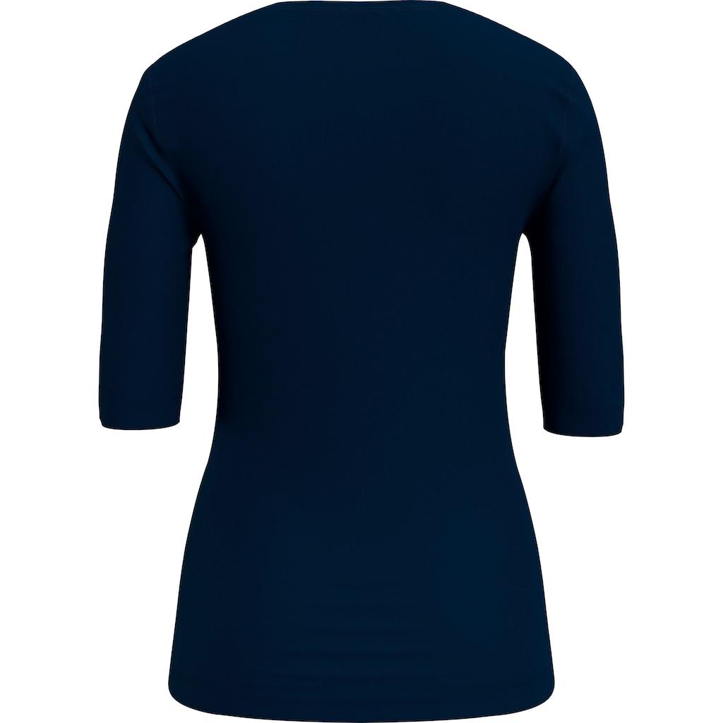 Tommy Hilfiger V-Shirt »TH ESS SOLID V-NK TOP 1/2 SLV«, mit Tommy Hilfiger Logo-Flag auf der Brust