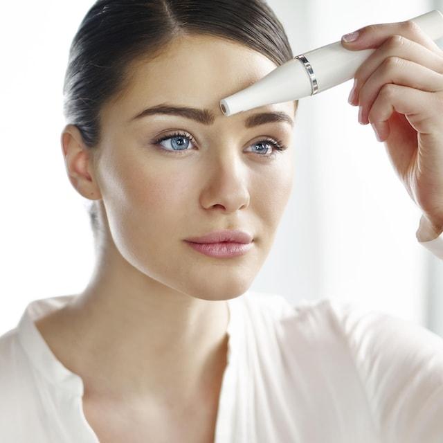 """Braun Elektrische Gesichtsreinigungsbürste """"Gesichtsepilierer und Gesichtsreinigungsbürste FaceSpa 810"""""""