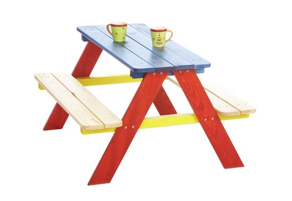 bunte Gartensitzbank inklusive Tisch für Kinder
