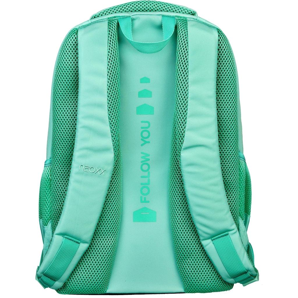 neoxx Schulrucksack »Fly, Mint to be«, Reflektionsnaht, aus recycelten PET-Flaschen