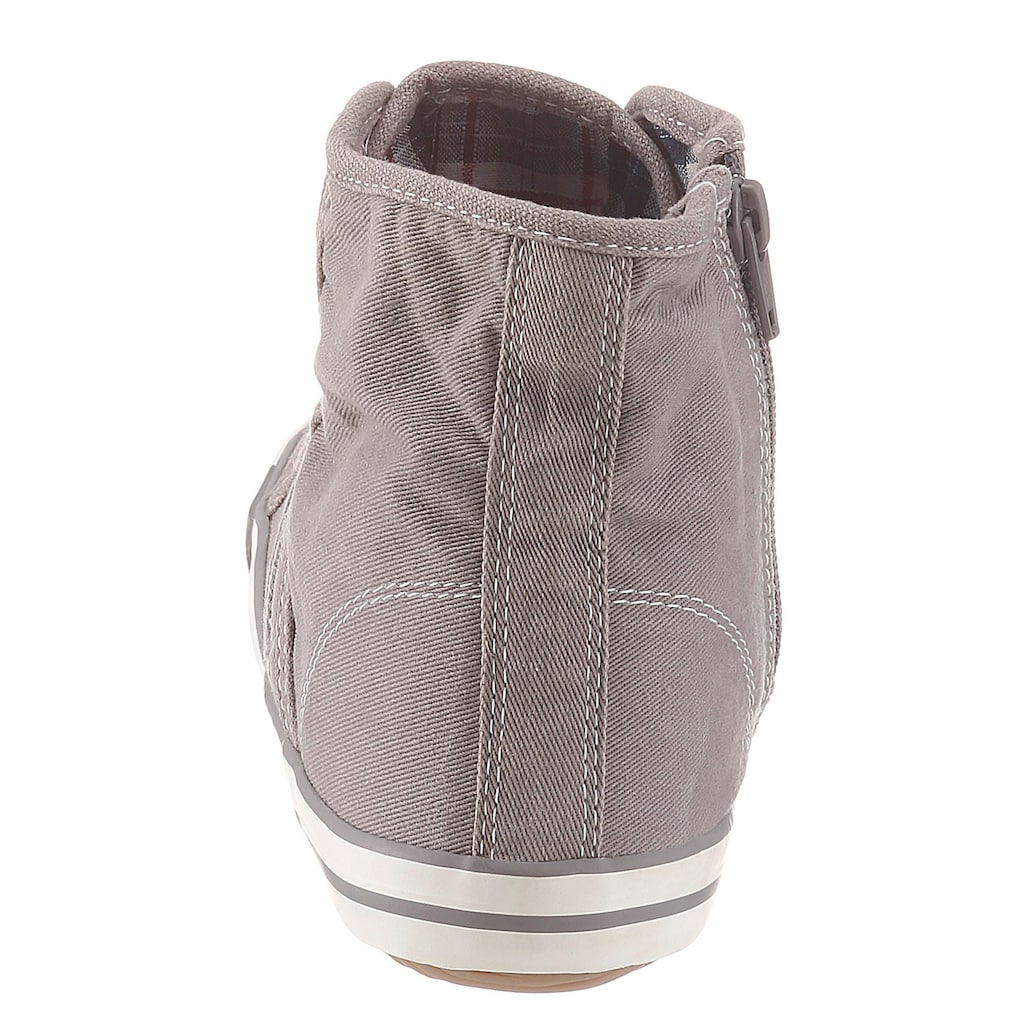 Mustang Shoes Sneaker, mit Label in der Laufsohle
