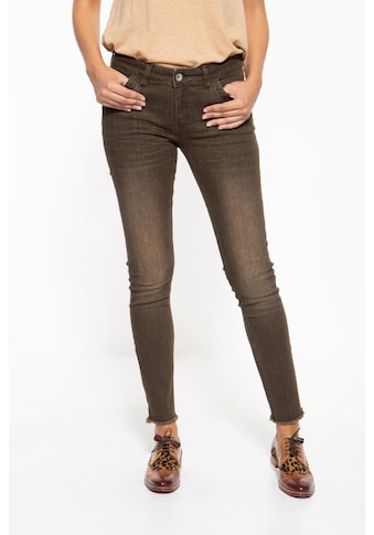 ATT Jeans Slim-fit-Jeans »Leonie«, mit Waschungen und offenen Saumkanten kaufen