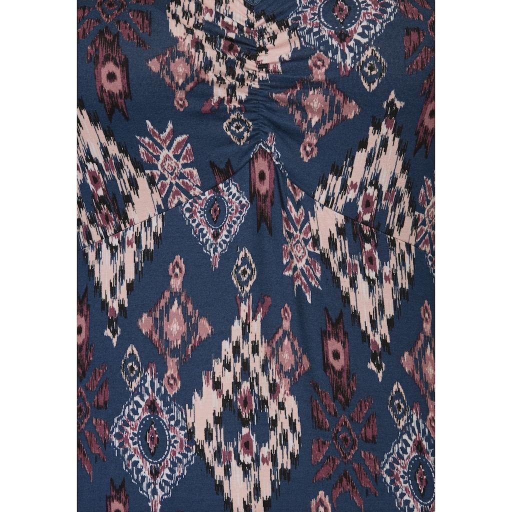 Boysen's Tunikashirt, im aktuellen Ethno-Look