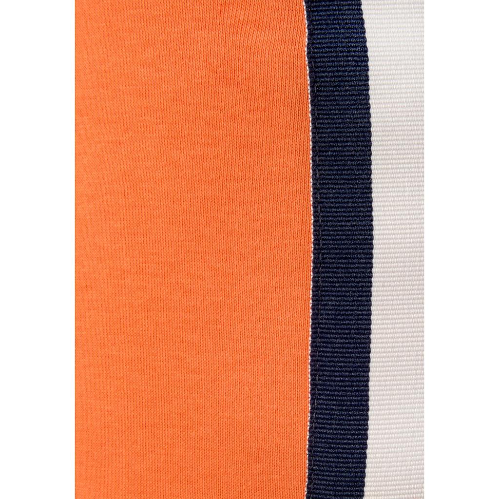Bench. Sweatshorts, mit Kontraststreifen und Logobändern