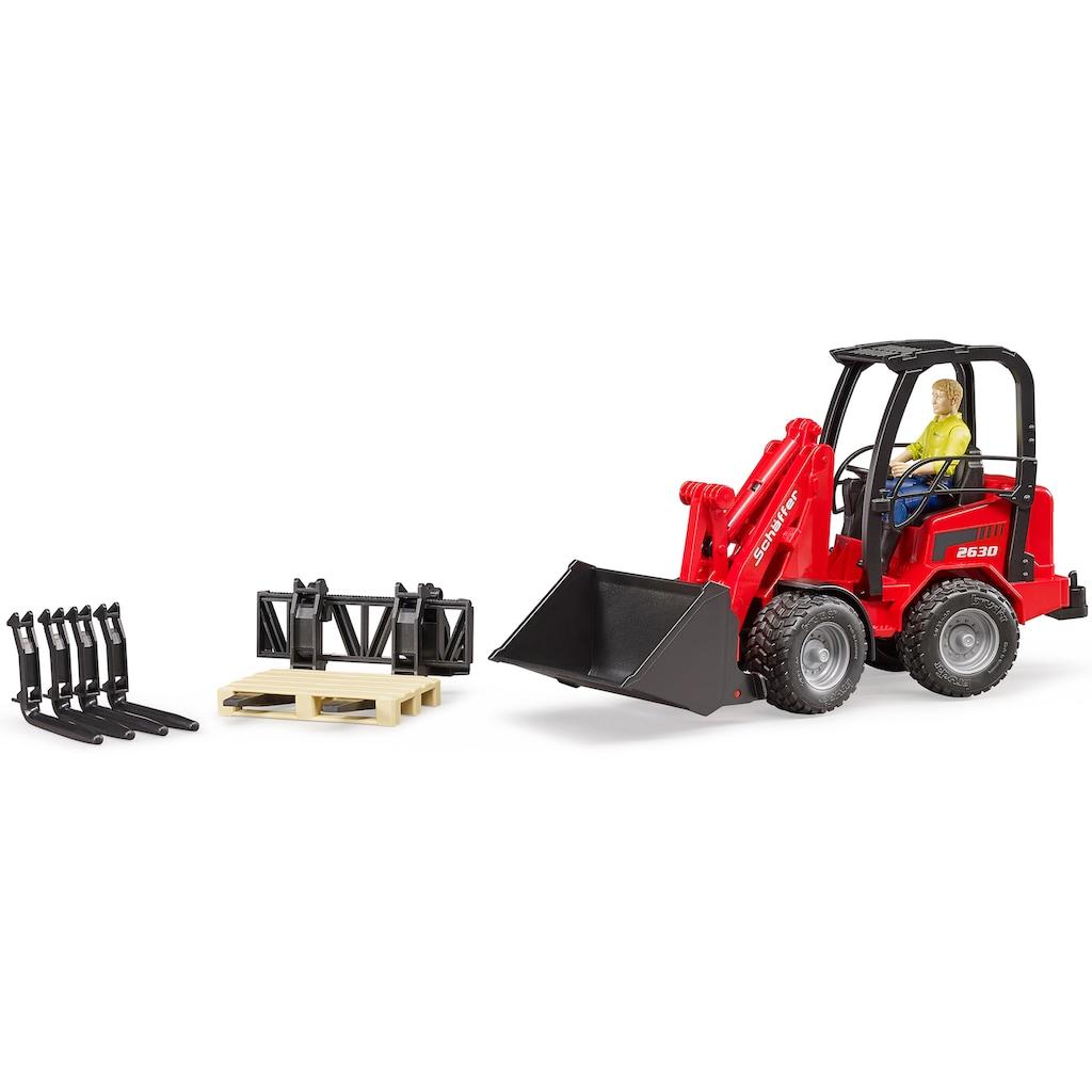 Bruder® Spielzeug-Radlader »Schäffer Hoflader 2630 mit Figur und Zubehör, 1:16, rot«, Made in Germany