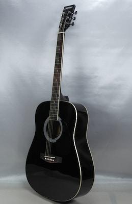 Westerngitarre in Schwarz