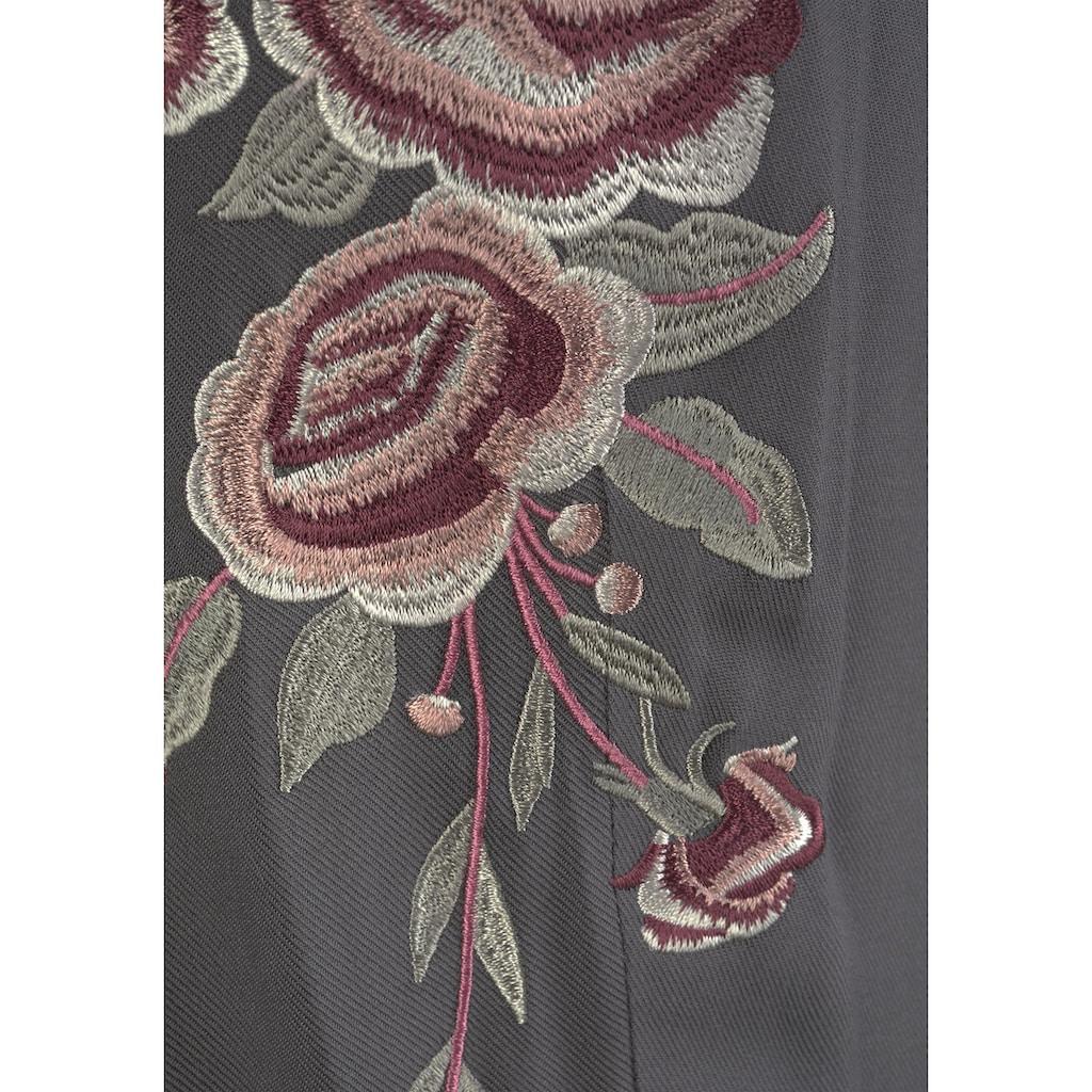 LASCANA Strandhose, mit Blumenstickerei