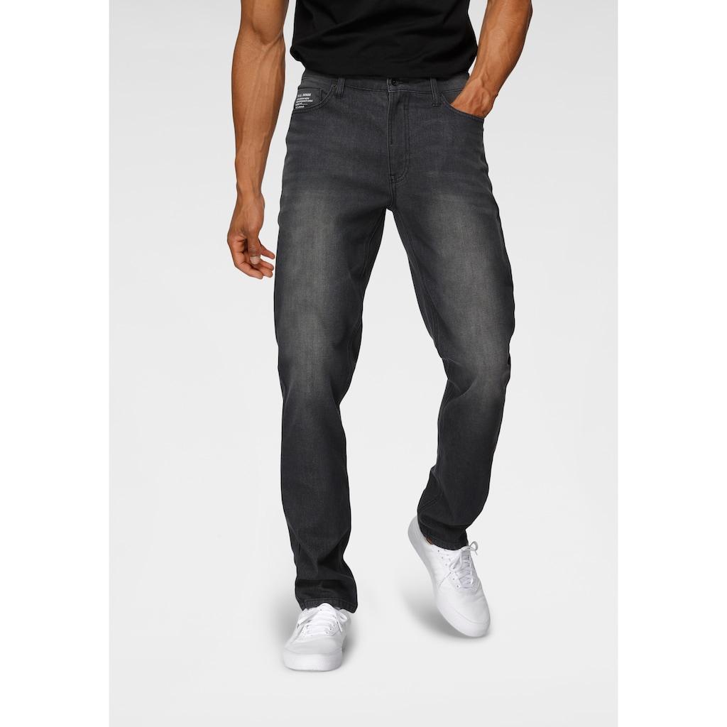 H.I.S Straight-Jeans »DIX«, Nachhaltige, wassersparende Produktion durch OZON WASH