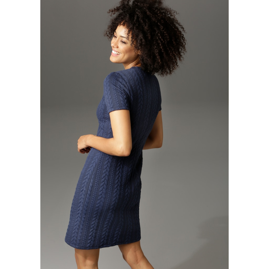 Aniston CASUAL Sweatkleid, mit Struktur-Muster