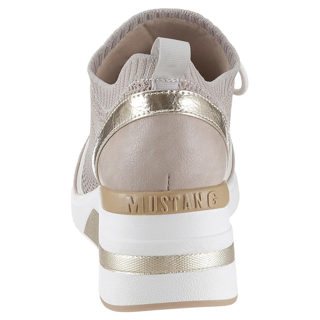 Mustang Shoes Wedgesneaker, mit sockenähnlichen Schaft
