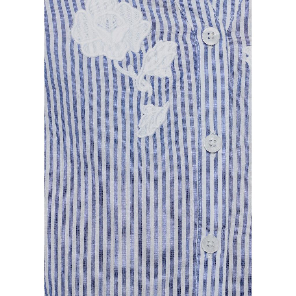 KangaROOS Hemdbluse, mit Volants am Ärmel und Blumen-Stickerei vorne
