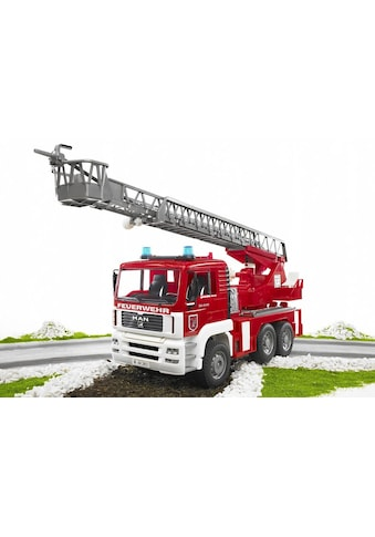 Bruder® Spielzeug-Feuerwehr »MAN Feuerwehrauto mit Drehleiter, Wasserpumpe und Light and Sound Module (trucks)«, Made in Germany kaufen