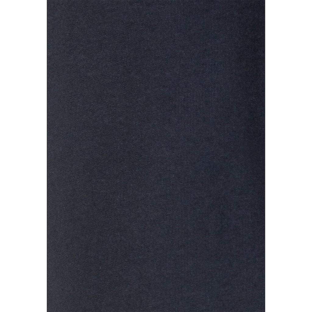 Bench. Relaxhose, mit aufgesetzten Streifen an der Seite und Logodruck