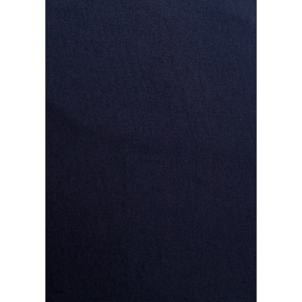 AJC Chinohose, in lässiger Form mit Pattentaschen