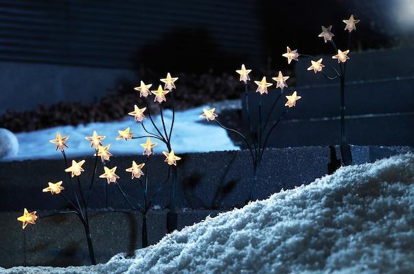 Weihnachtsbeleuchtung mit kleinen LED-Leuchtsternen