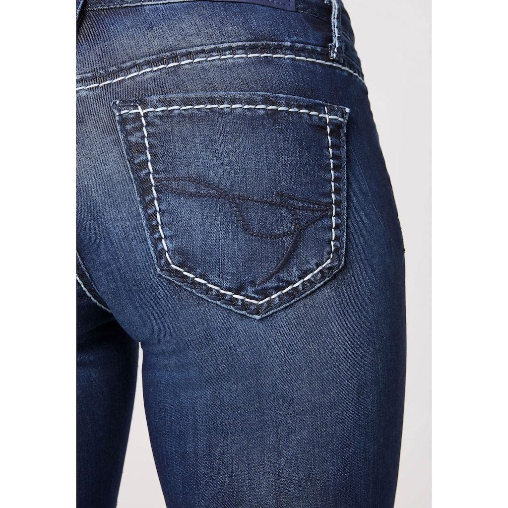 SOCCX Skinny-fit-Jeans, mit kontrastfarbenen Ziernähten