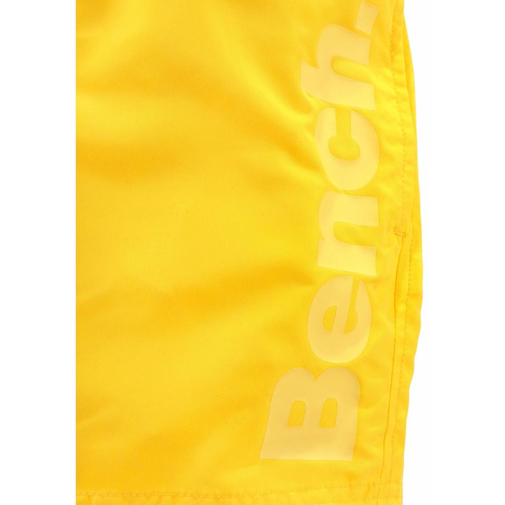 Bench. Badeshorts, mit seitlichem Logoschriftzug