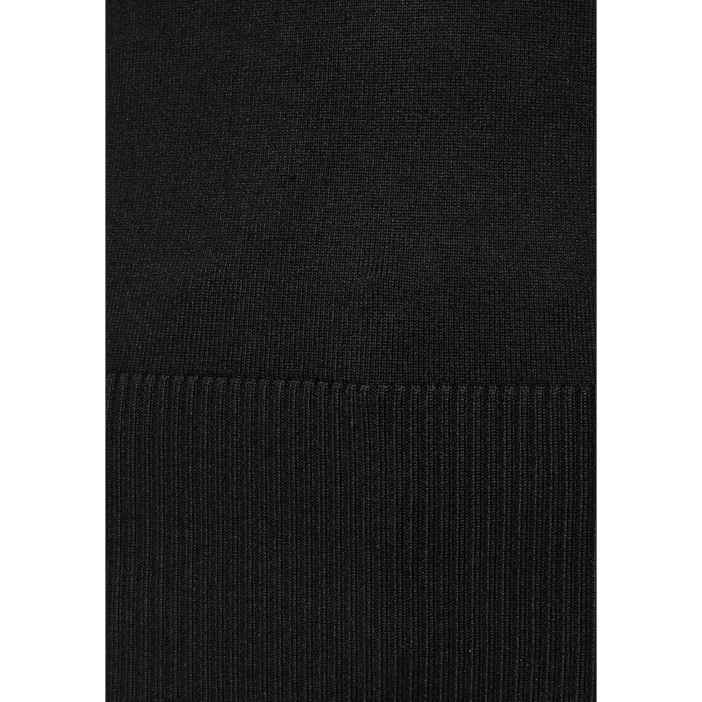 Melrose V-Ausschnitt-Pullover, mit besonderer Spitze am Rücken
