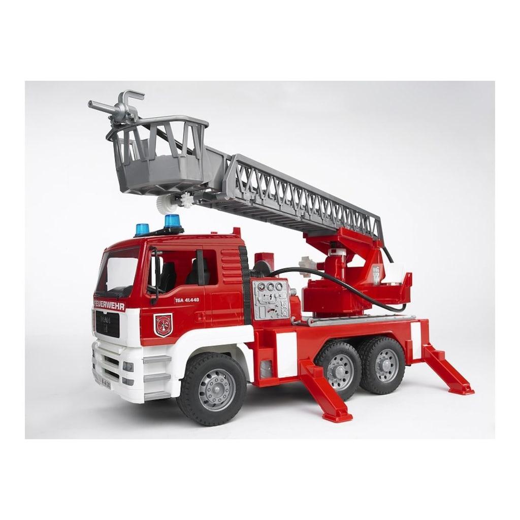 Bruder® Spielzeug-Feuerwehr »MAN Feuerwehrauto mit Drehleiter, Wasserpumpe und Light and Sound Module (trucks)«, Made in Germany